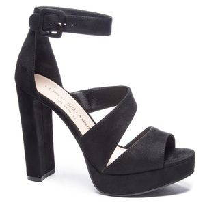 Chinese Laundry Riddle Platform Sandal